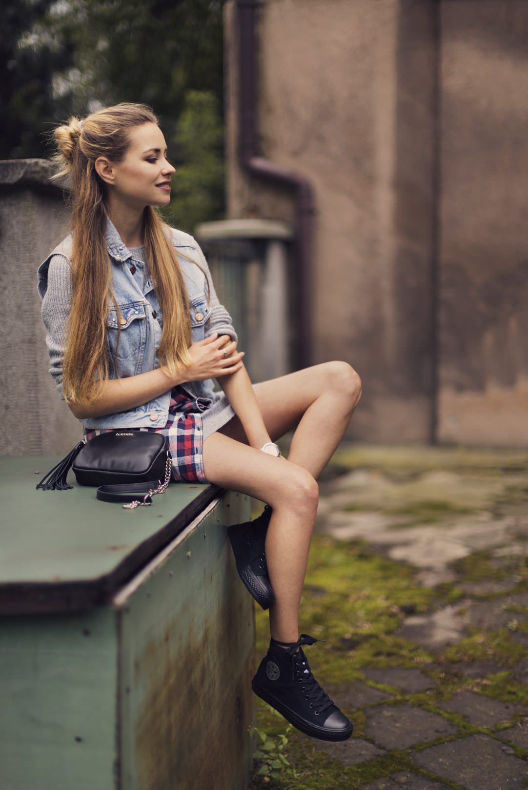 Juliette_in_Wonderland_grunge_02